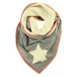 grijze sjaal met ster en drukknoopsluiting