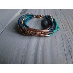 groene met blauw  kralen armbandjes met kettingsluitng.